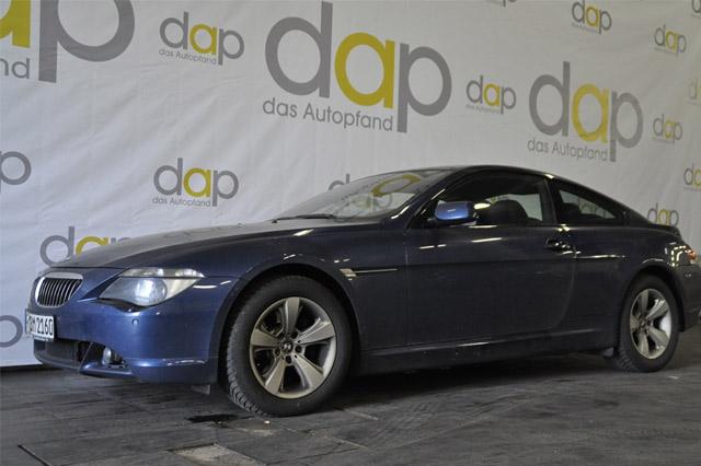 Blauer BMW 645 Ci