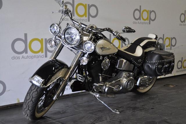 Harley Davidson Heritage Softail in der Auktion im Pfandhaus in Krefeld
