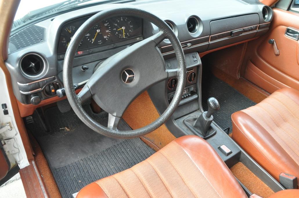 Innenraum Mercedes Benz 200 D