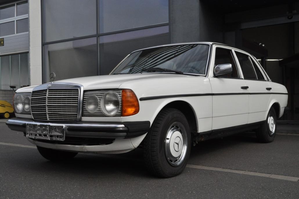 Mercedes Benz 200 D